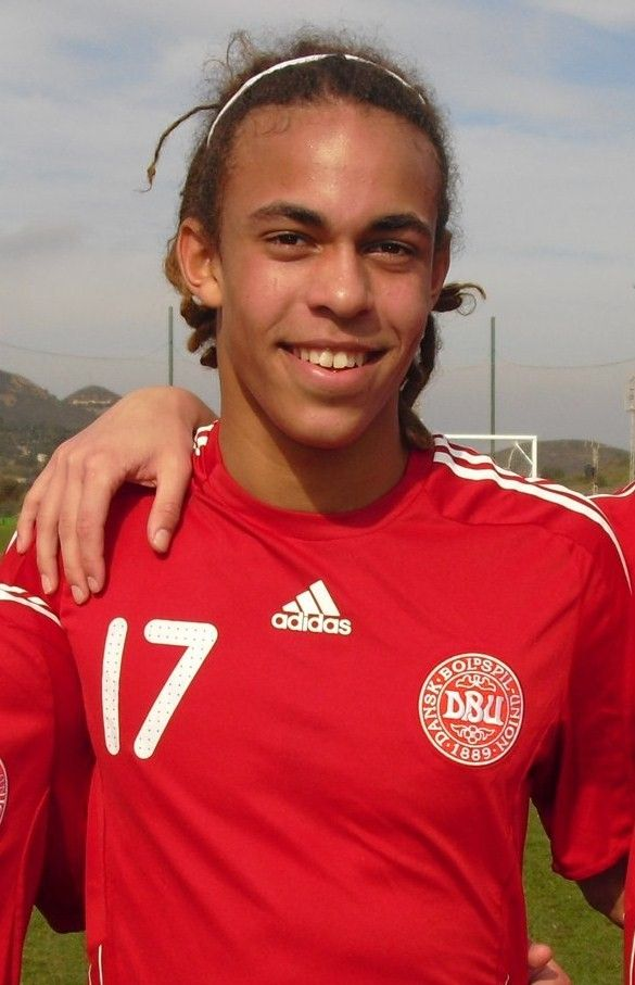 Yussuf Poulsen career stats, height and weight, age